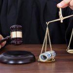 Пожилой боровичанин пытался дать взятку судье в размере 5 тысячи рублей